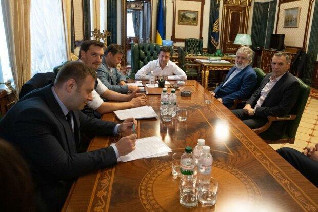 Зеленский распахнул двери Офиса Коломойскому: о чем шептался олигарх с президентом