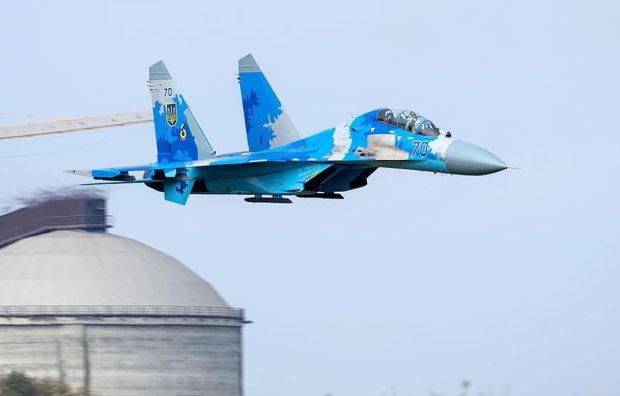 Падаючий Су-27 перетворився на смертельний вихор: страшні подробиці і фото трагедії