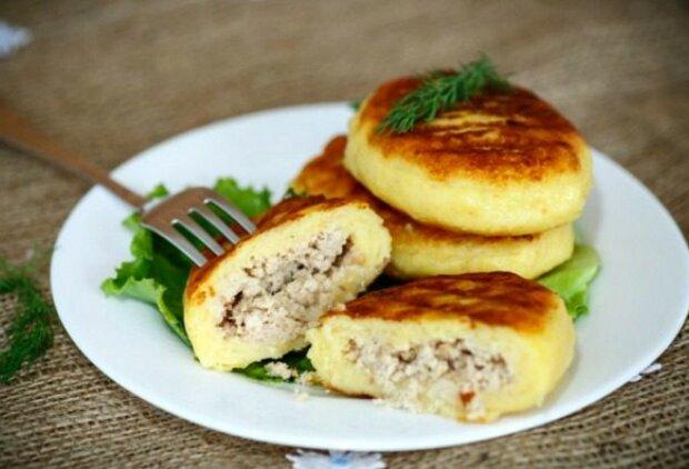 Картофельные зразы приготовит даже ленивый: простой рецепт ароматного обеда