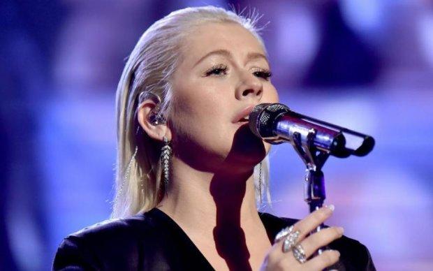 Известная певица посвятила песню гею