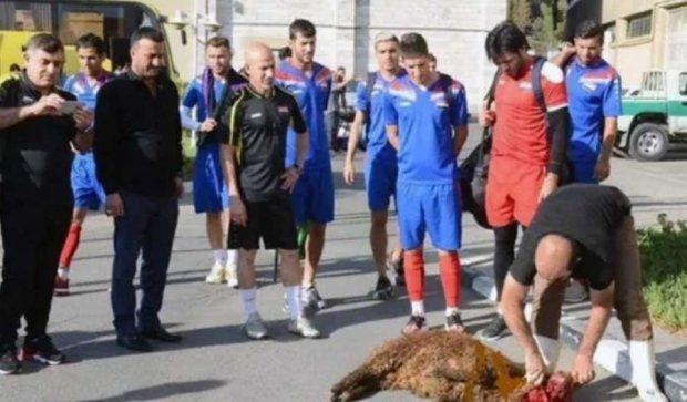 Іракські футболісти влаштували кривавий ритуал