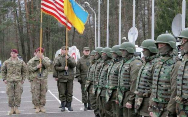 Американский десант высадился на Донбассе