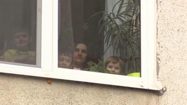 багатодітна сім'я / скріншот з відео