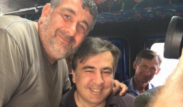 Саакашвили съездил в Татарбунары на маршрутке