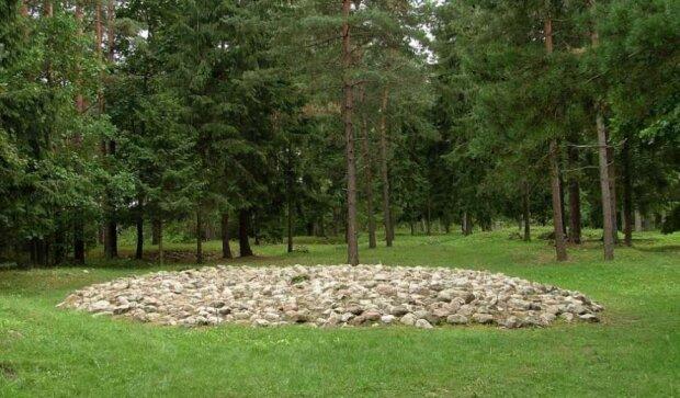 Погребальный курган ятвягов, фото: zoon.webd.pl