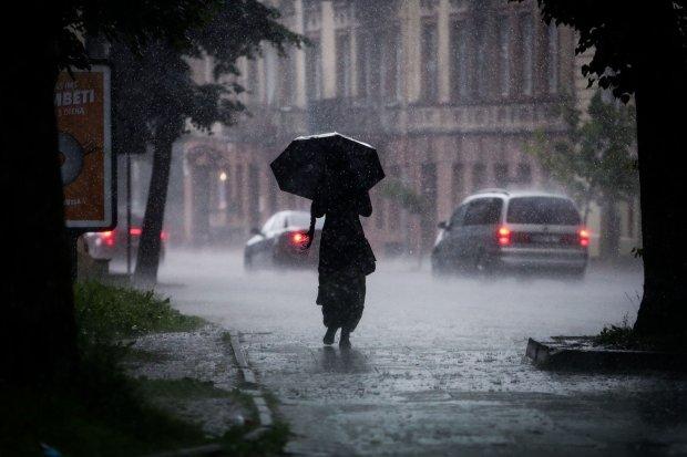 Погода на тиждень: стихія покаже українцям, що таке сувора осінь