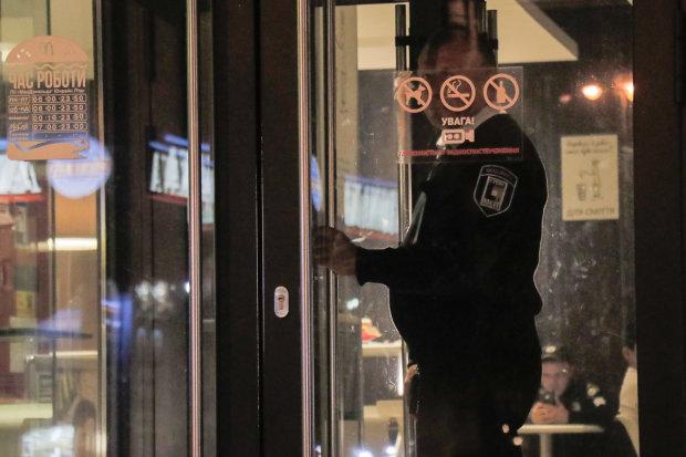"""Минирование McDonald's в Киеве: полиция задержала """"взрывателя"""""""