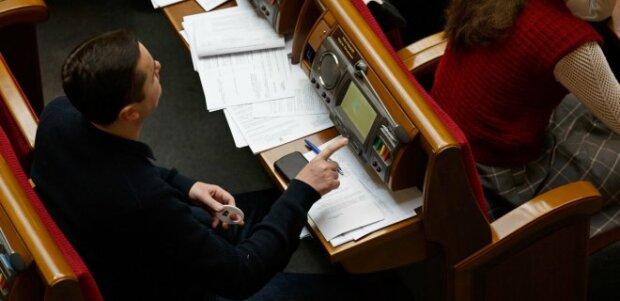 Бізнес закликає прийняти закон про неповернення банків колишнім власникам вже у травні та оптимізувати процедуру розгляду спам-правок (заява)