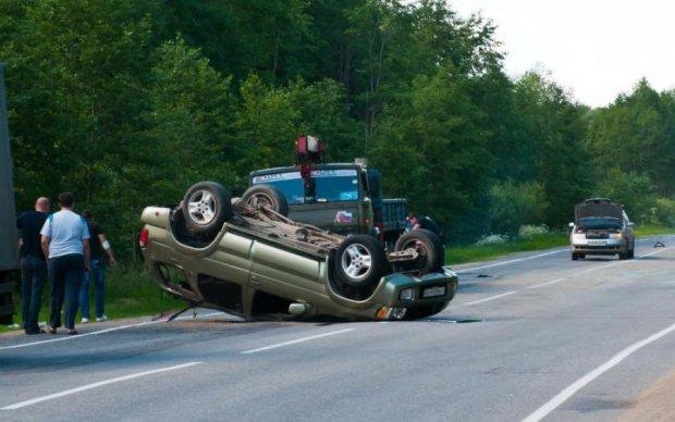 Розгромлені авто та кав'ярня: моторошна аварія поставила на вуха киян