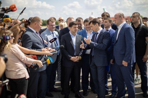 Зеленский посадил на карандаш: чиновники Днепра рискуют повторить судьбу Годунка