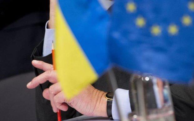 Медведчук працює на повернення Україні суб'єктності та незалежності від ЄС, РФ та інших країн, - Піховшек