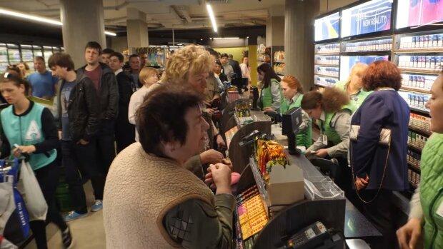 """Популярний супермаркет вирішив """"озеленитися"""" на українцях за допомогою коронавірусу"""