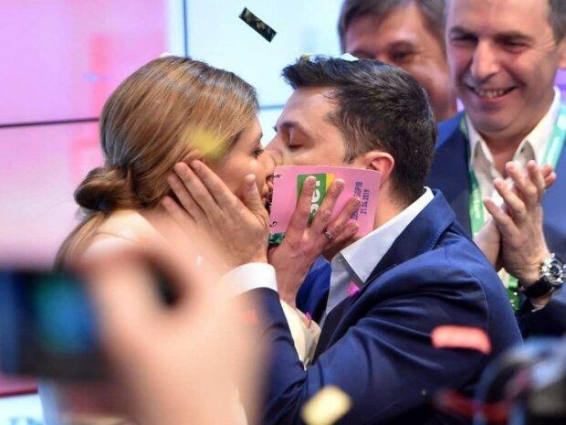 Двійник Зеленського безсоромно фліртував з першою леді: поцілунок для Оленки, відео