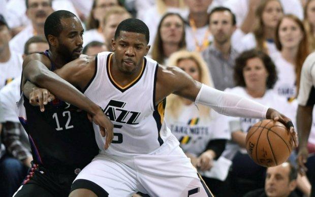 НБА: Оклахома закончила сезон поражением от Хьюстона, Юта обыграла Клипперс
