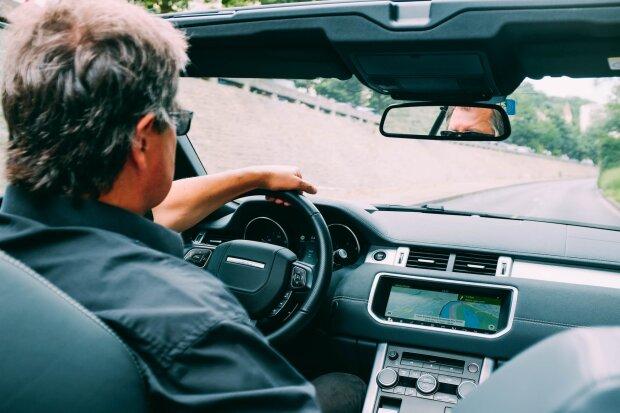 Привітання із Днем автомобіліста у віршах, фото - Рexels