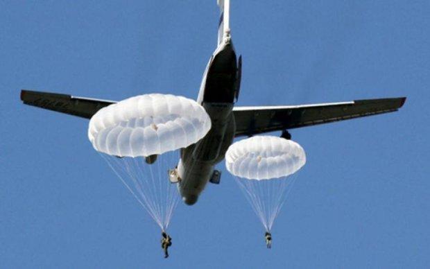 У Празі парашутист десантувався на глядачів: є постраждалі