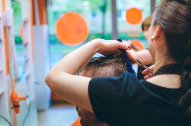 Розсадник смертельних інфекцій: чим можна заразитися в перукарні