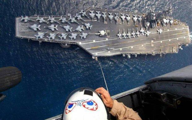 Американский авианосец заставил понервничать Тегеран