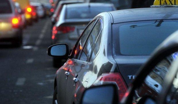 Аварія на Гостомельській трасі заблокувала в'їзд до Києва