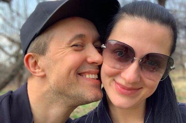 """Сніжана Бабкіна з дітьми показали """"Сімейну Збірну Любові"""", Сергія не видно: """"Обіцяємо знайти"""""""