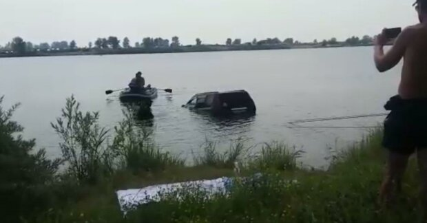 Под Запорожьем мужчина нырнул в реку и пропал навсегда
