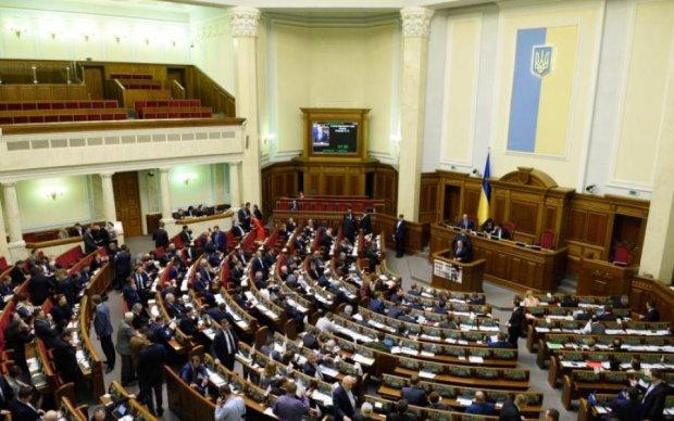 Більше заробляти, а не витрачати: що прискорить реформи в Україні
