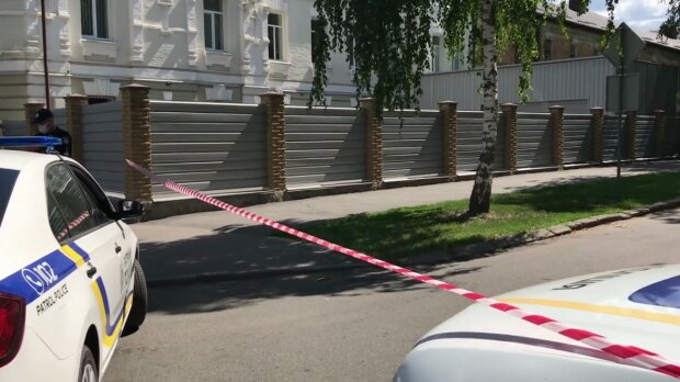 В лапы полтавского террориста попал отважный полковник - носит погоны 25 лет