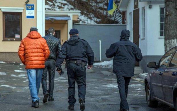 Пьяная стрельба от депутата: в сети показали фото