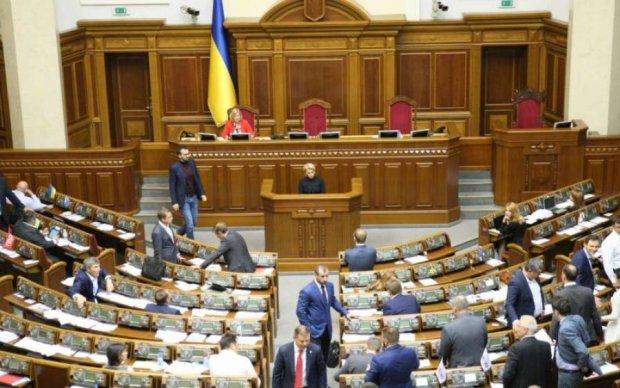 Украинцы замерли в ожидании: в Раде пожар