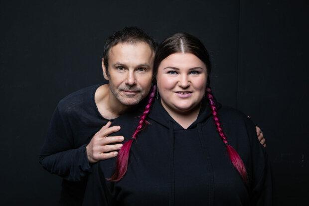 Святослав Вакарчук и Alyona Alyona во время работы над клипом