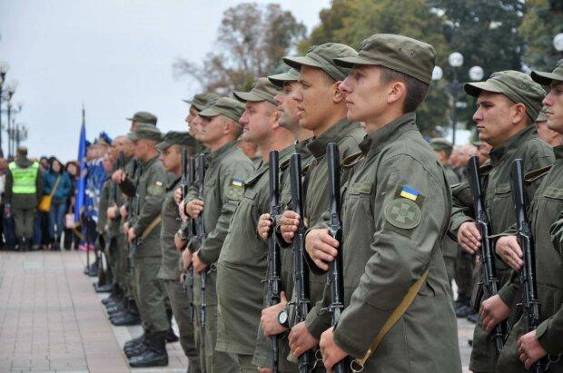 Йшов шостий рік війни: у військовій частині Нацгвардії помітили товари з Росії, фото