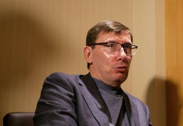 Луценка не впізнати, плутає слова і забуває речення: Романенко показав докази