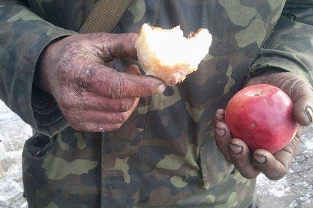 Перший день після Дебальцевого: військові в Артемівську (фоторепортаж)