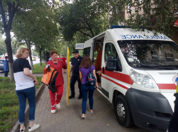 Одессит выпал из высотки при загадочных обстоятельствах, копы чешут затылки: видео трагедии