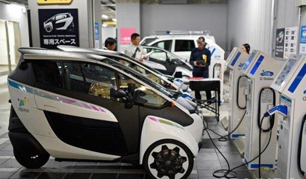 Электромобили освободили от ввозной пошлины, но 20% налогообложения оставили
