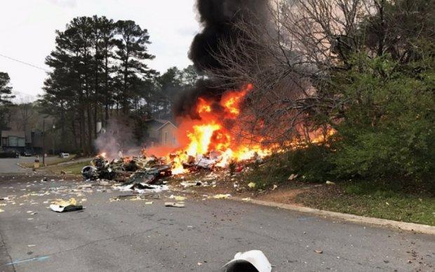 Очевидцы сняли жуткое падение самолета в США