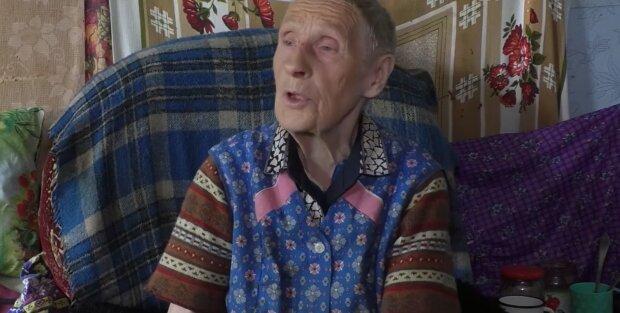 Банда подростков устроила старушке пыточную в собственном доме - выбили окна, обкуривали травой и ладаном
