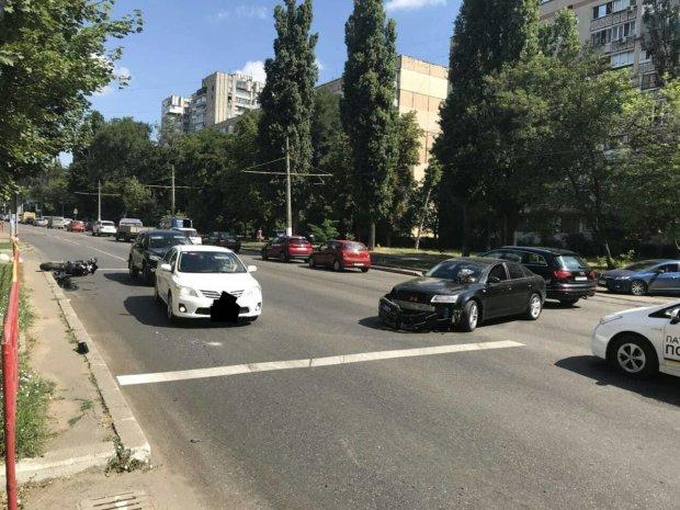 Под копирку Зайцевой: BMW влетел в остановку, шесть человек погибли