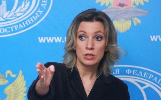 Захарова обиделась на отказ Джонсона от визита в Москву