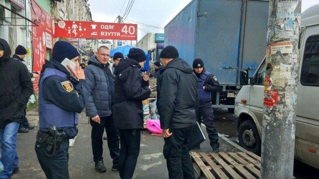 Во Львове охранник магазина залил глаза и расстрелял прохожих: привиделись воры