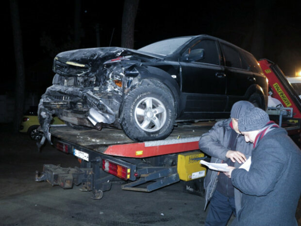 Адское ДТП в Киеве:  Dacia протаранила KIA и вспыхнула синим пламенем, есть жертвы