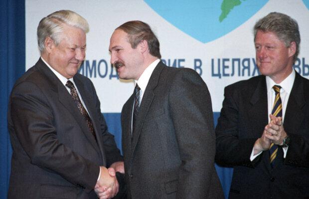 """""""Візьмемо керівником"""": Лукашенко запропонував роботу Клінтону в Білорусі"""