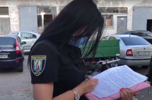 """Тернополянина отдали под суд за фото """"с перчинкой"""" - вывалил своего """"дракона"""" перед камерами"""