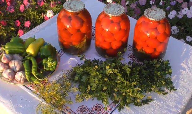 Консервирование помидоров на зиму, скриншот: YouTube