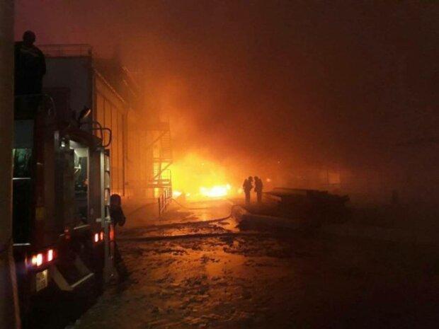 """Одеса знову у вогні, висотка з людьми спалахнула, як свічка: трагедія в """"Токіо Стар"""" не навчила"""