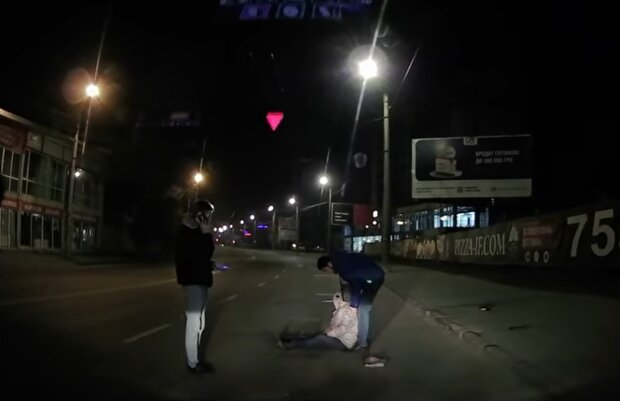 Во Франковске женщину покусала собака, скриншот видео