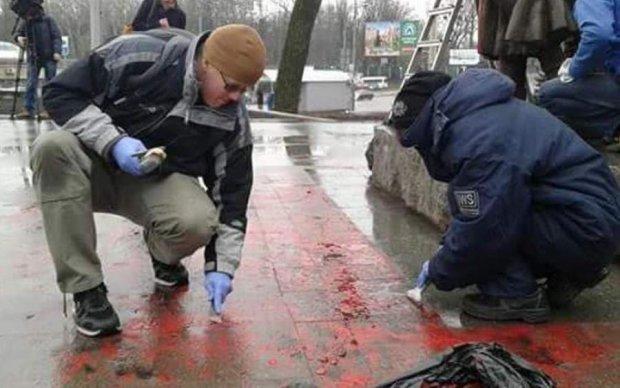 Спаплюжений пам'ятник Олені Телізі оперативно відчистили волонтери