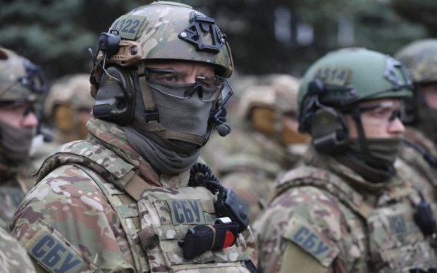Політолог: За обшуками СБУ у журналістів стоять спроби в зародку зламати мирний процес