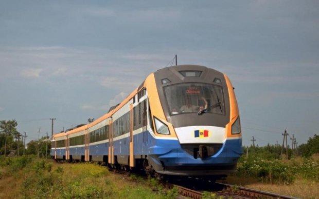 Стихія паралізувала залізничне сполучення Молдови