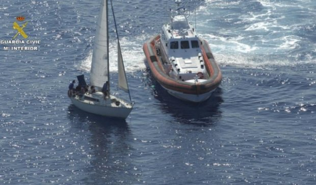 В Іонічному морі затримали трьох українців за перевезення мігрантів (фото)